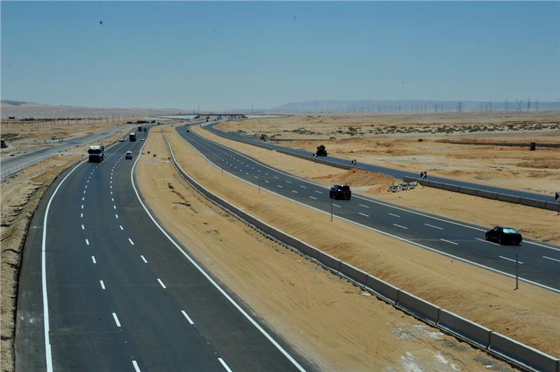 أعلنت الإدارة العامة للمرور بوزارة الداخلية إغلاق طريق السويس الصحراوي، في ظل ما تتعرض له البلاد من تقلبت وعدم استقرار في الأحوال الجوية.
