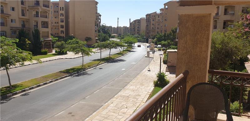 شقة فى مدينتى  260 م2 بحري و قبلي للبيع كاش كود 28243