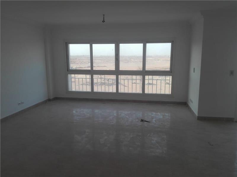 شقة فى مدينتى  200 م2 بحرى للبيع تقسيط كود 35565