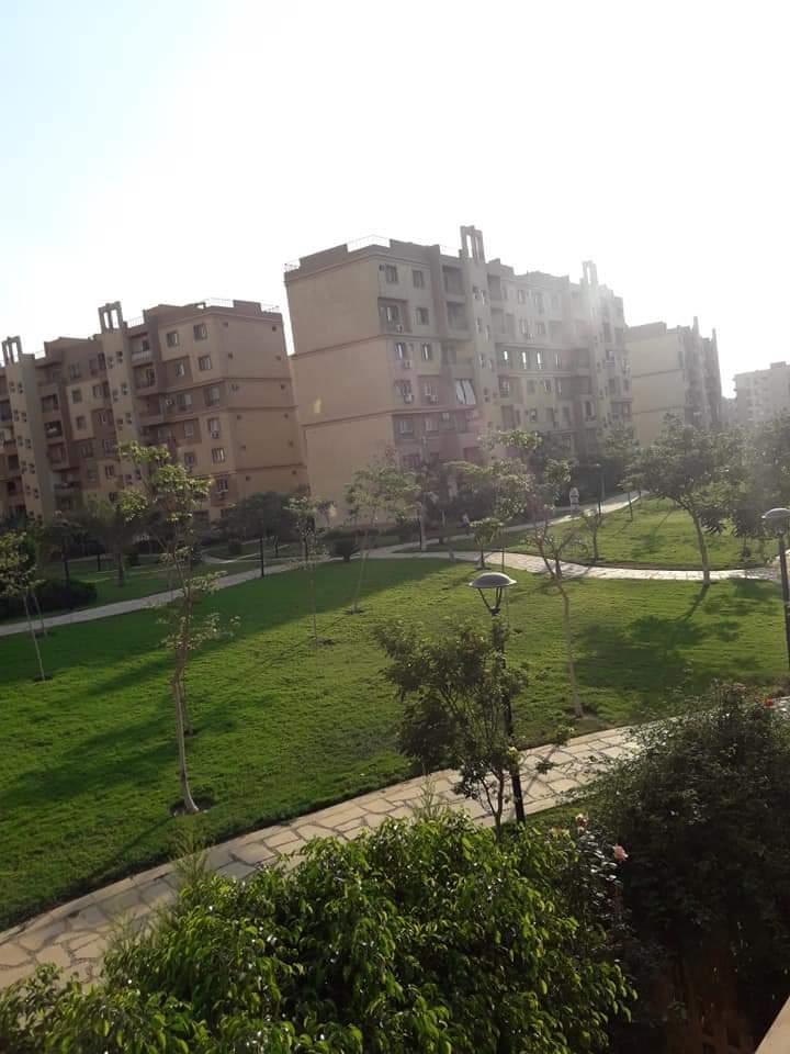 شقة فى مدينتى  143 م2 بحري و قبلي للبيع كاش كود 39904