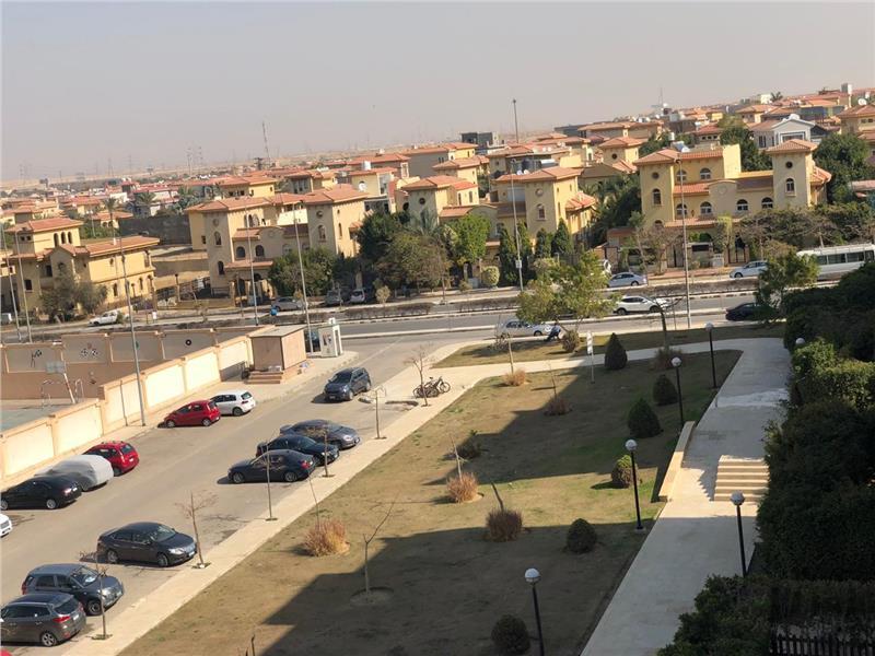 شقة فى مدينة الرحاب  200 م2 للبيع كاش شرقي وغربي كود 40080
