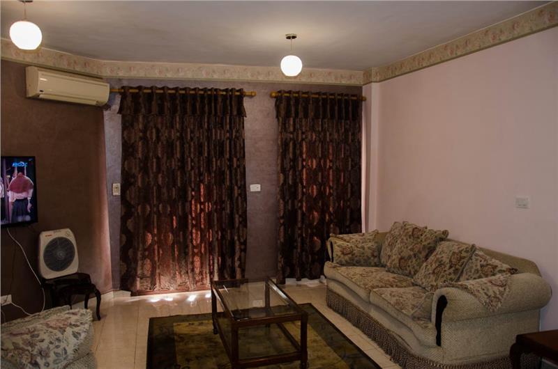 شقة فى مدينة الرحاب  90 م2 للايجار مفروش بحري وغربي كود 40212