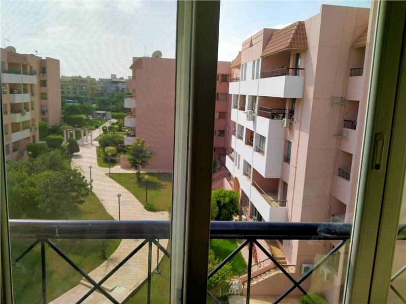 شقة فى مدينة الرحاب  157 م2 بحري و قبلي للبيع كاش كود 40362