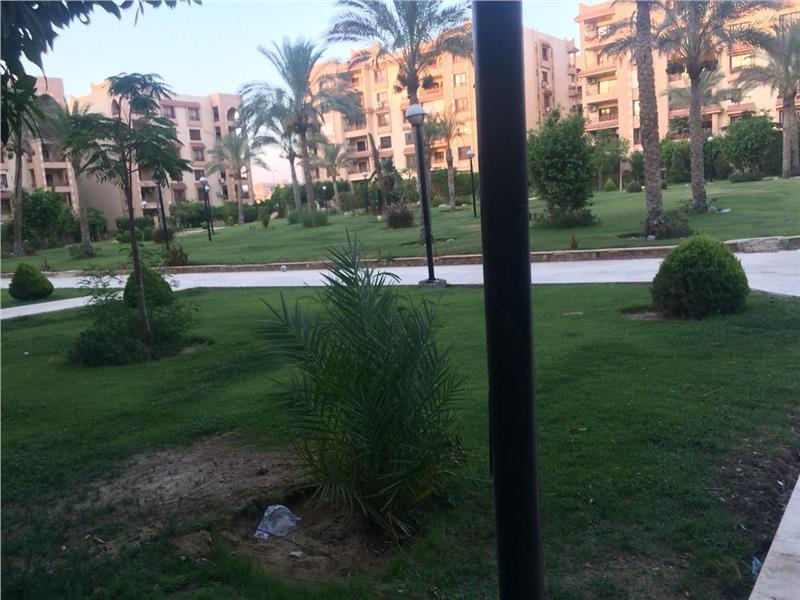 شقة فى مدينة الرحاب  136 م2 شرقي وغربي للبيع كاش كود 40659