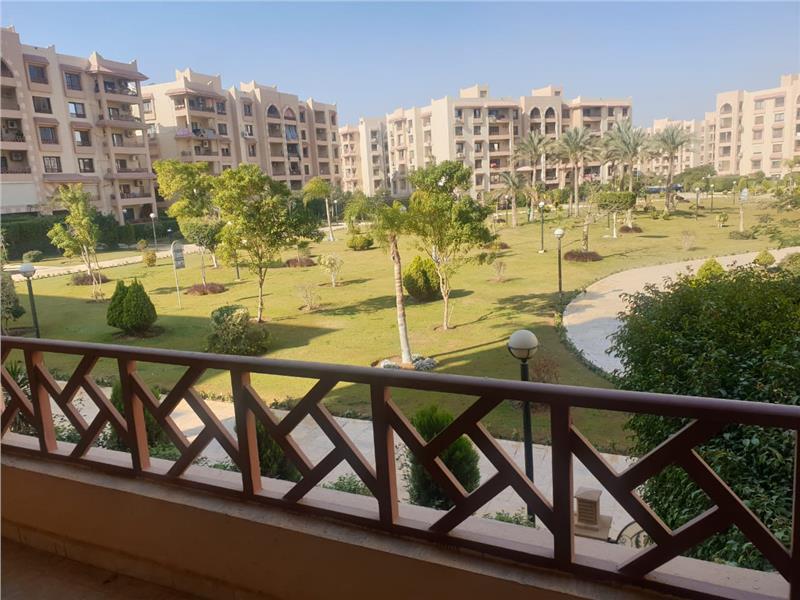 شقة فى مدينة الرحاب  300 م2 بحرى للبيع كاش كود 41086