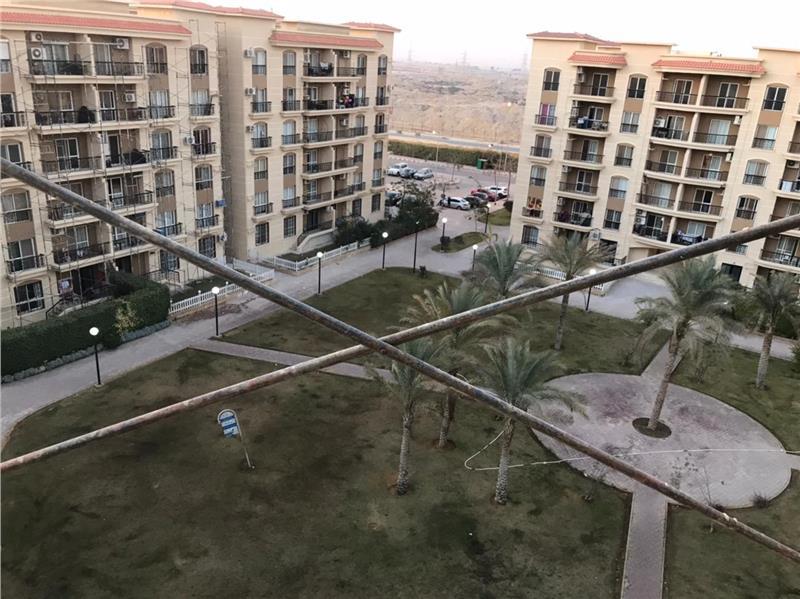 شقة فى مدينة الرحاب  211 م2 بحري و قبلي للبيع كاش كود 41114