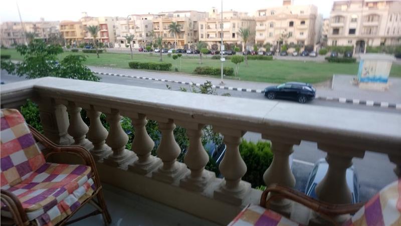 شقة فى التجمع الاول 230 م2 بحري وغربي للبيع كاش كود 43003