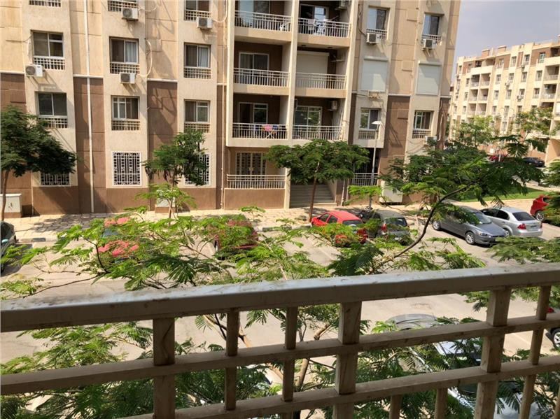 شقة فى مدينتى  82 م2 بحرى للبيع كاش كود 43034