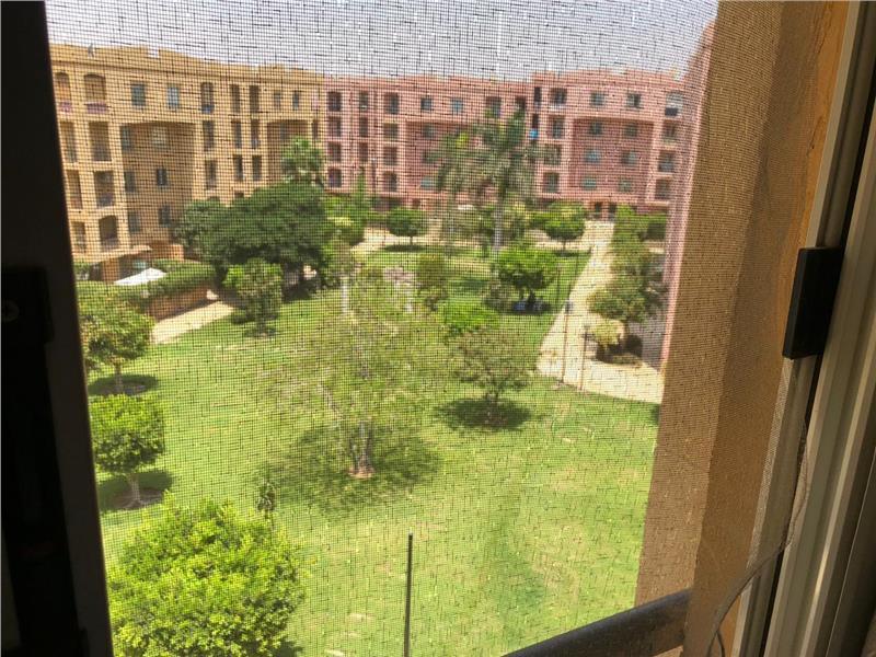 شقة فى مدينة الرحاب  153 م2 بحري و قبلي للبيع كاش كود 43103